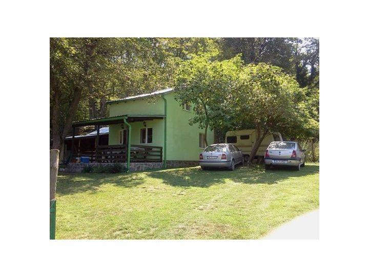 Vila Casa Bursucului, Eselnita