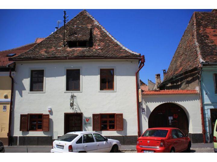Pensiunea Cocosul Rosu, Sibiu-Oras