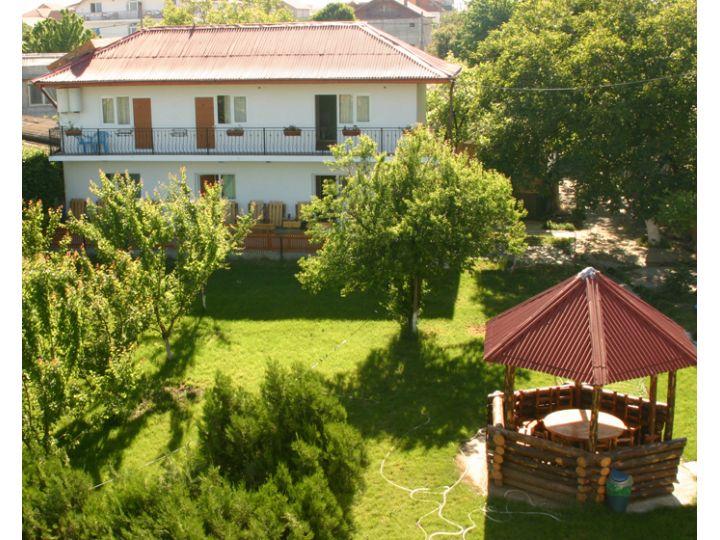 Vila Casa La Dinamo, 2 Mai