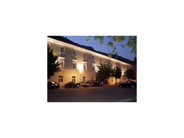 Hotel Ferdinand, Baile Herculane