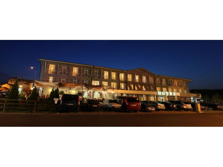 Hotel Wellness & Spa Perla, Baile 1 Mai