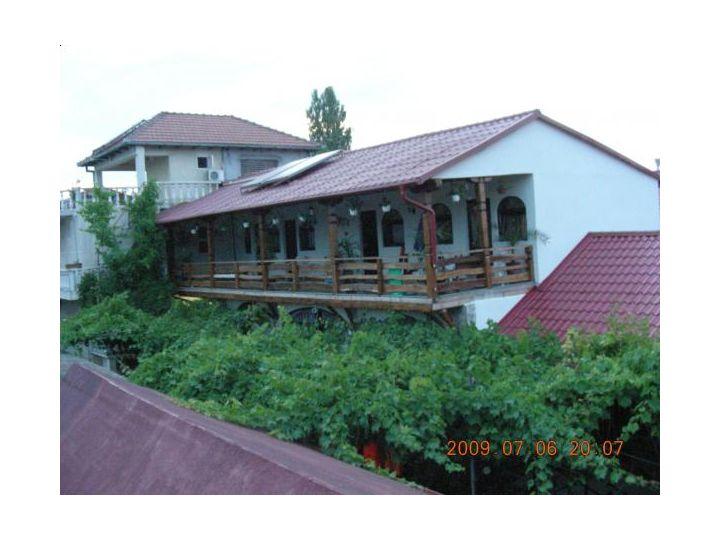 Campingul Hacienda, 2 Mai