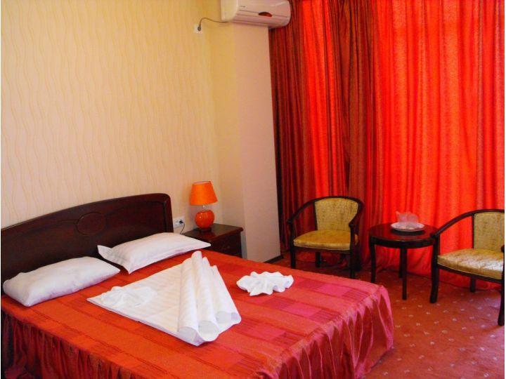 Hotel Cristal, Navodari