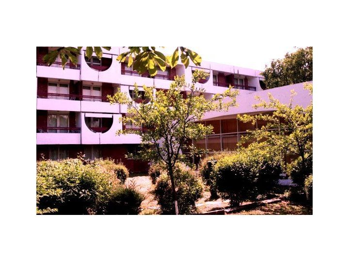 Hotel Academy, Venus
